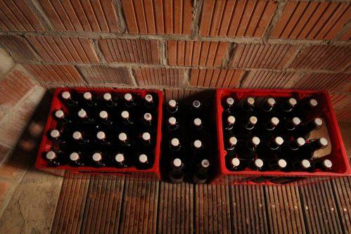 Selbstgebrautes Bier lagert sich im Erdkeller doch sehr stilvoll, oder?